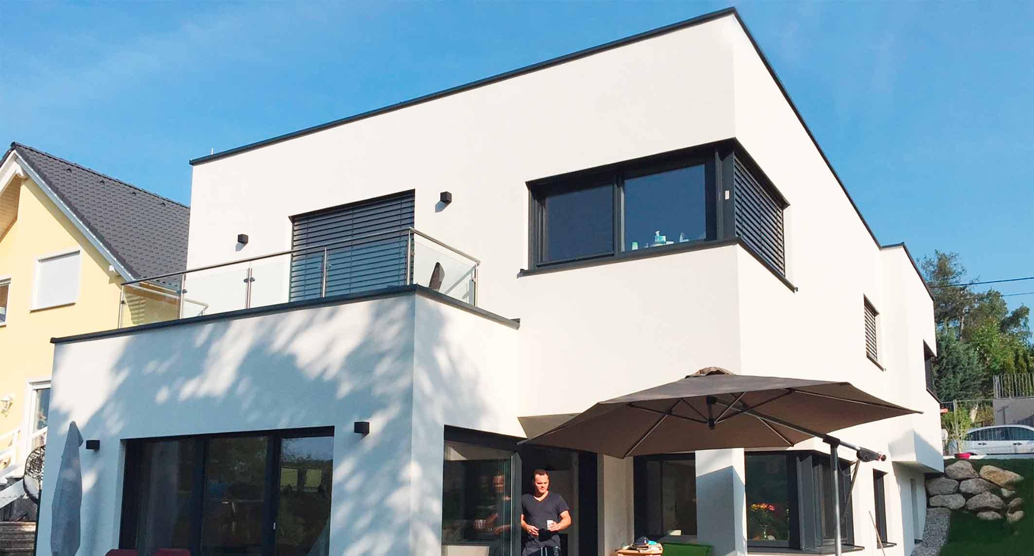 Awesome Das Optimal In Den Hang Integrierte Haus 168 F Bietet Maximalen Wohnraum  Auf 2 Bzw. 3 Ebenen. Betreten Wird Das Haus Bequem Im Obergeschoss, Welches  Für Den ...